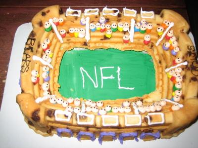 stadium-bundt-cake.jpg